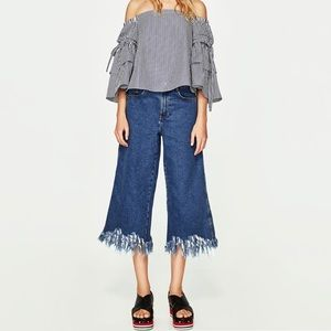 Zara Frayed Blue Denim Wide Leg  Cropped Jeans